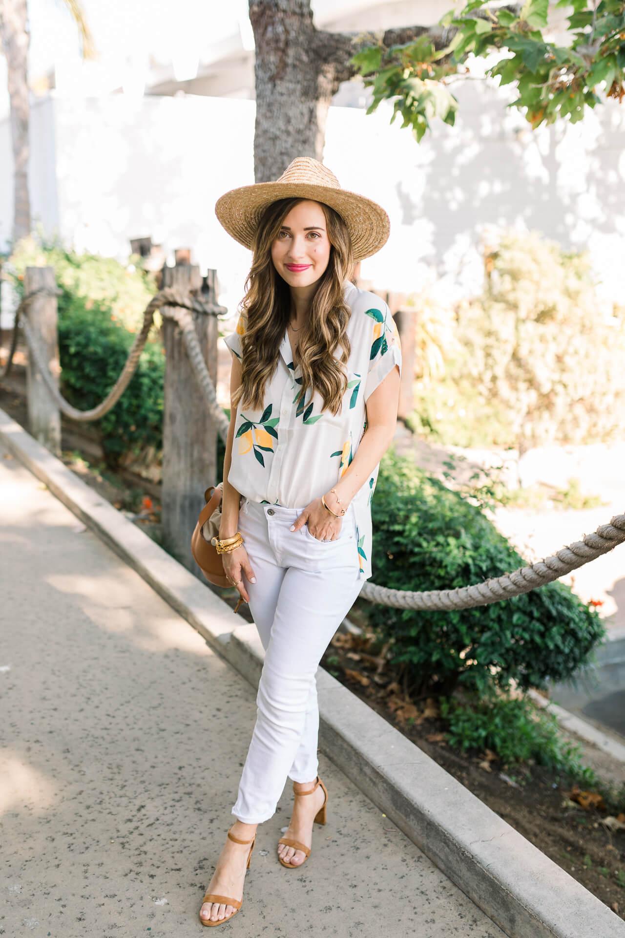 How pretty is this lemon print button-down shirt?! - M Loves M @marmar