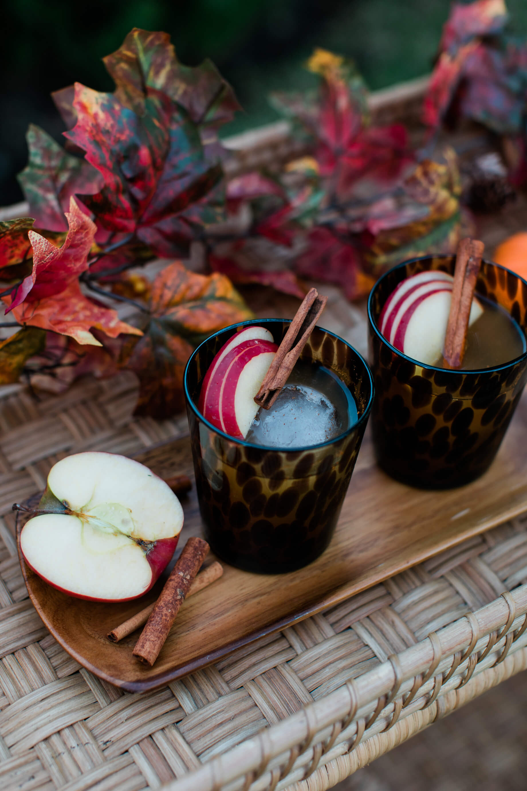 A bourbon spiced cider cocktail recipe! - M Loves M @marmar