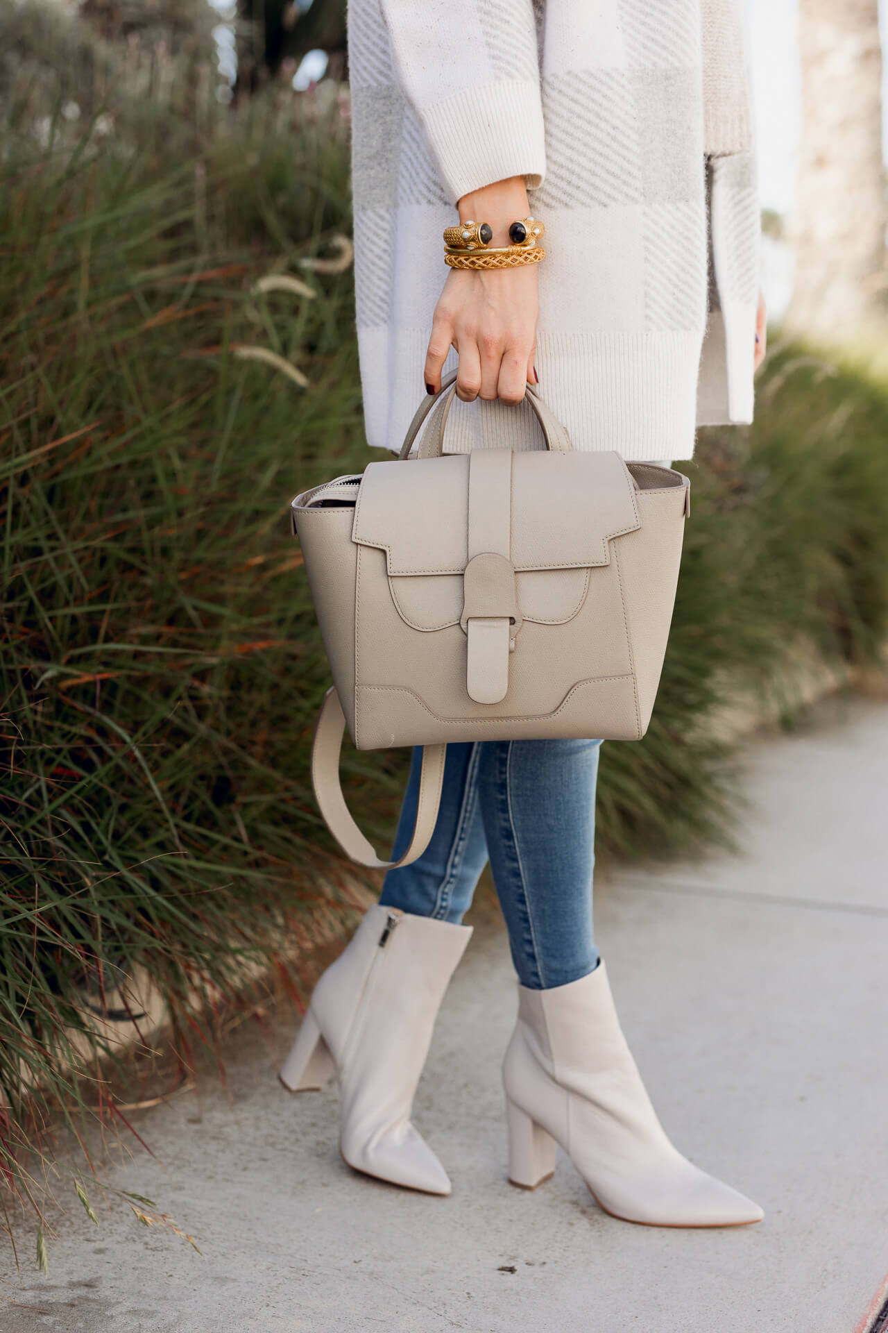 Obsessed with this chic grey handbag from Sevres! - M Loves M @marmar