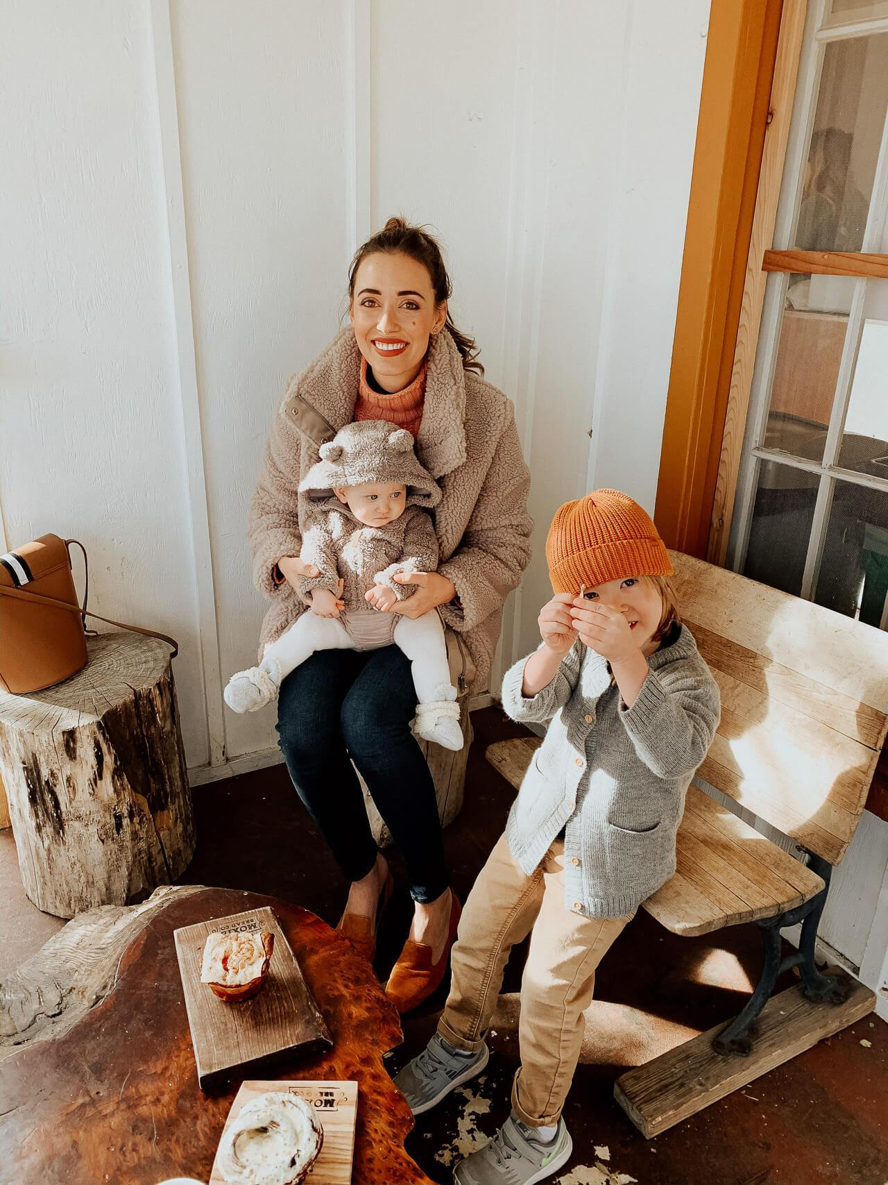 A family trip to Colorado. Love this teddy jacket from H&M! - M Loves M @marmar