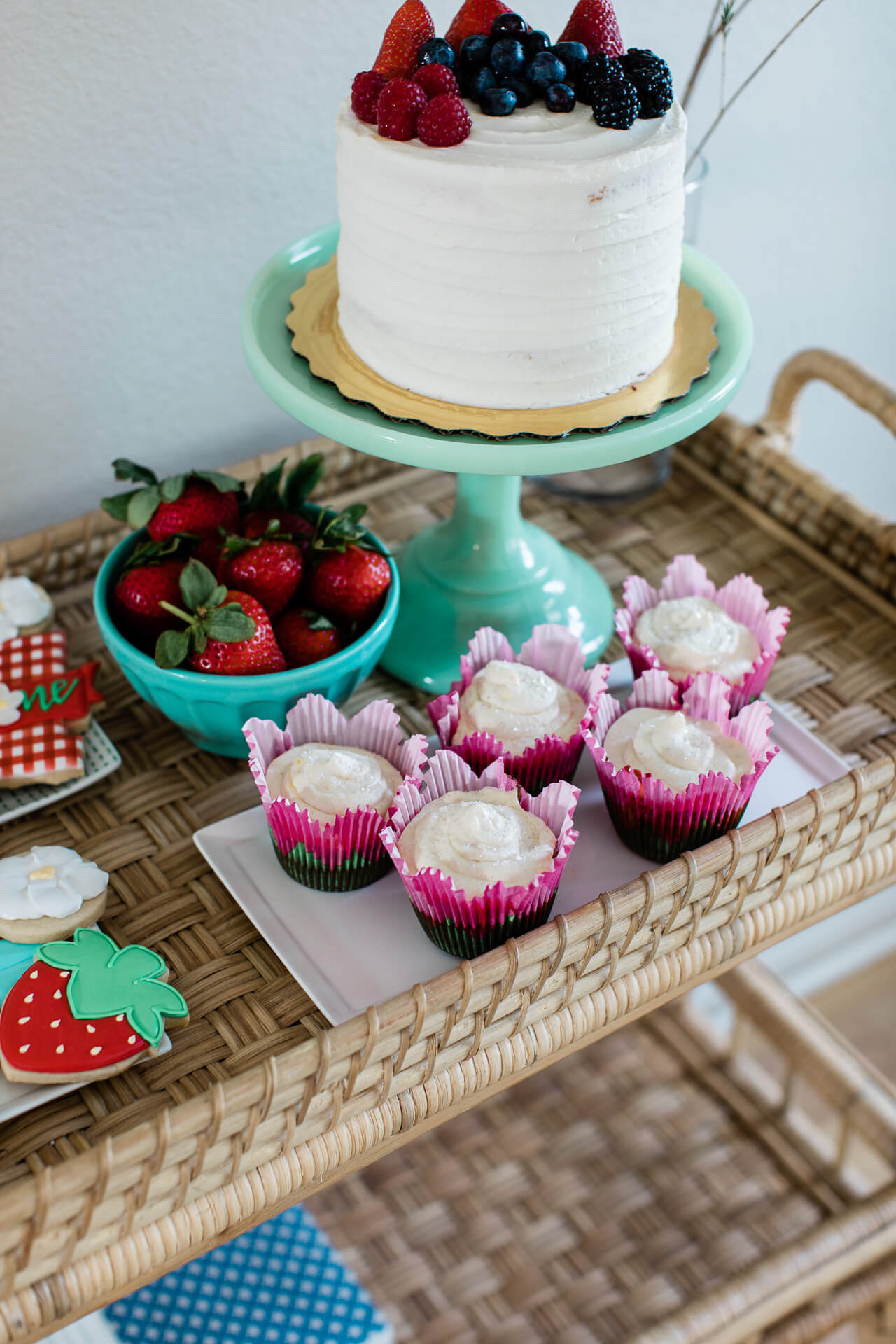 Cute strawberry desserts for baby's birthday! - M Loves M @marmar