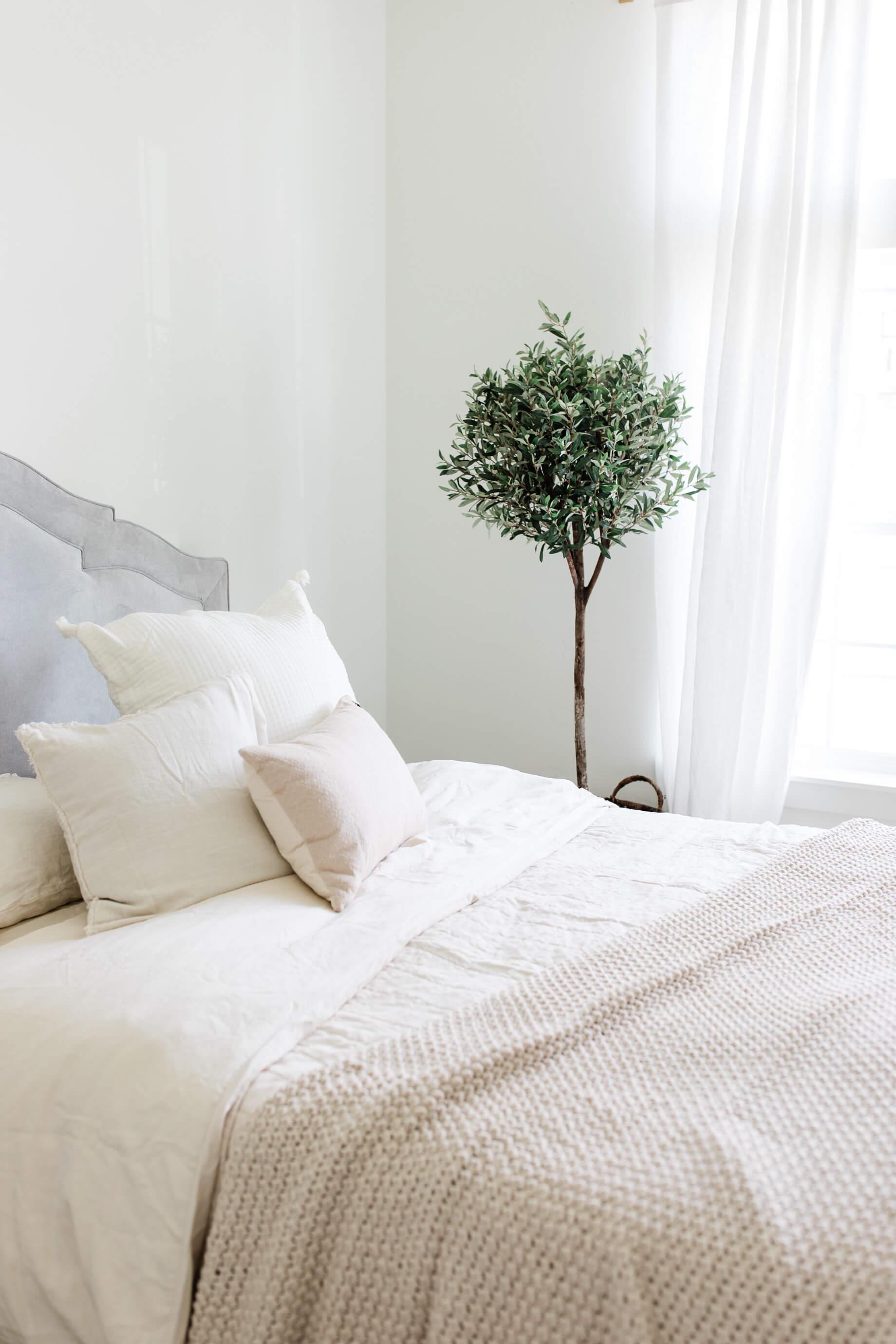 serene bedroom decor - M Loves M @marmar