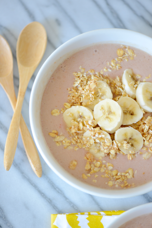 strawberry banana and peach smoothie bowl recipe M Loves M @marmar