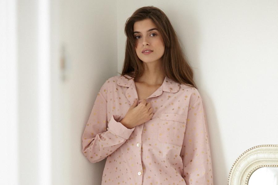 Model in pink pyjamas