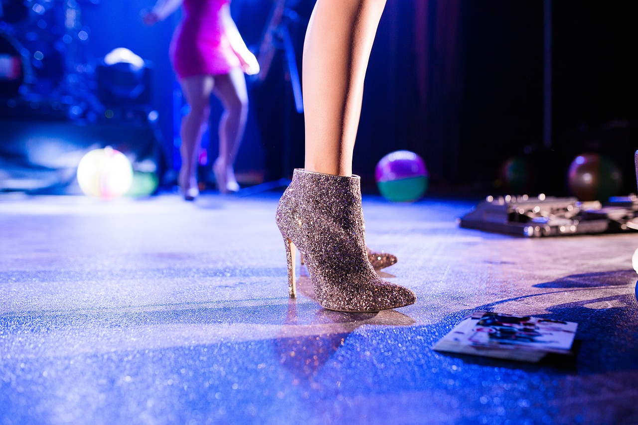 high heels, feet, legs-1846436.jpg