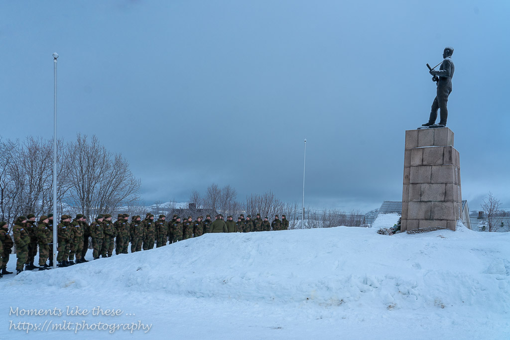 New recruits hearing why the North Cape is important for the defense of Norway and Europe.