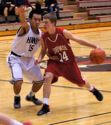 MTHS guard Anh Viet Nguyen defends against Snohomish Friday night. (Photos by David Carlos)