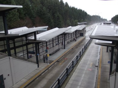 Mountlake Terrace Transit Station freeway bays 004