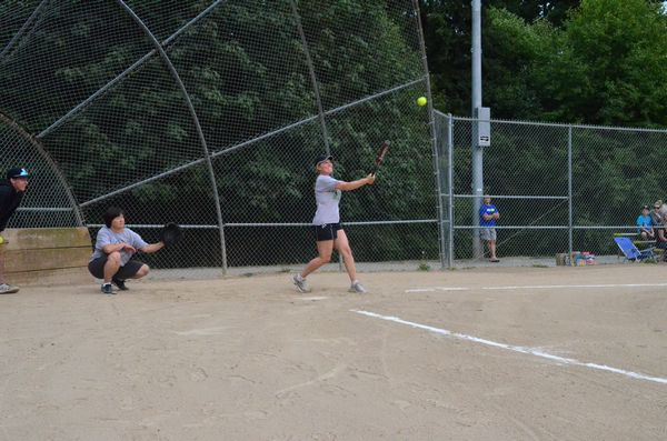 Tracy Richardson of the MLT Police Department pops one up.