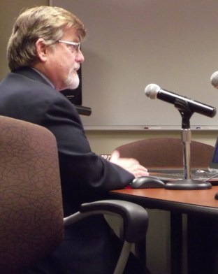 Mike Cooper speaks to the Mountlake Terrace City Council Monday night.
