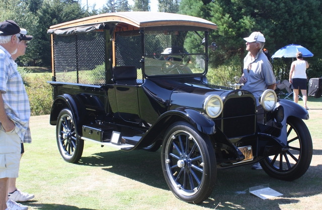 A 1919 Dodge Brothers Sceenside