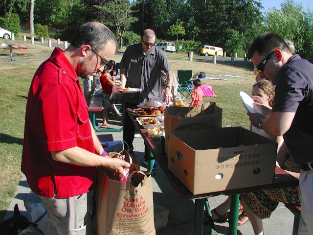 Members of the Mountlake Terrace Business Association gathered at Lake Ballinger Park Wednesday evening for the group's annual picnic.