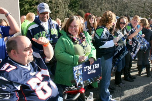 The crowd was filled with mostly Seattle Seahawks fan along with a few New England Patriots supporters.