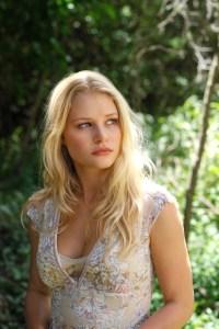 Emilie de Ravin as Claire Littleton.