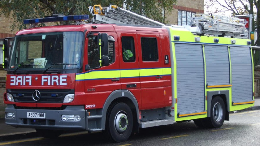 Five people including one child and two children were rescued from the fire of the house near Milton Keynes - MKFM 106.3FM