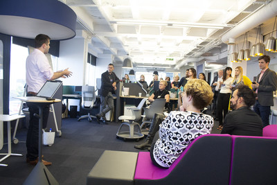 Microsoft and Steelcase discuss hyper-collaborative team solutions in the POI showroom (CNW Group/POI Business Interiors)