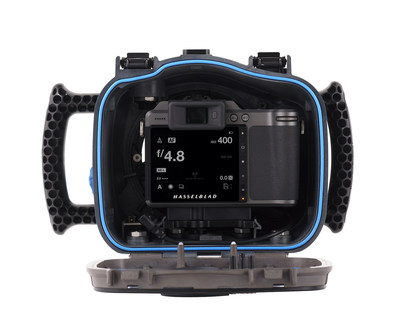 As the first official water housing for Hasselblad's X System, the REFLEX Water Housing, together with the X1D II 50C and XCD Lens range, offers the highest optical performance and unparalleled image quality that Hasselblad is renowned for
