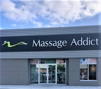 Massage Addict 100th clinic. St-John's Newfoundland. (CNW Group/Massage Addict)