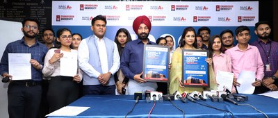 Satnam Singh Sandhu Chancellor Chandigarh University along with the placed students of the 2021 batch showing their offer letters