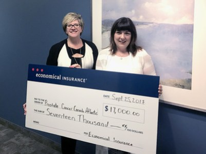 Karen Kaminska (left), Regional Vice-President of Economical Insurance for Atlantic Canada presents $17,000 in sponsorship funding to Ellen Townshend, Executive Director, Prostate Cancer Canada Atlantic Region for the four Wake Up Call Breakfast events in Saint John on September 26, Moncton on October 25, Halifax on October 30, and Cape Breton in February 2018 to help men realize importance of early detection. (CNW Group/Economical Insurance)
