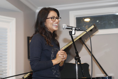 Karen David (Actress/Singer, Galavant, Once Upon a Time) performs and presents jewelry by Queen's Trunk at Education Through Music-LA's 4th Annual Music & a Makeover Benefit Event, March 10, 2018. etmla.org Photo Credit: Danny Moloshok