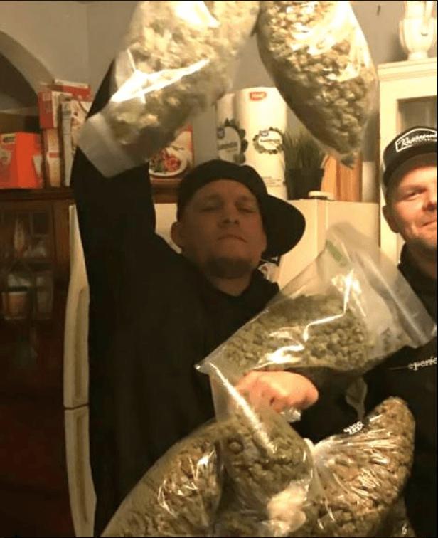 https://i2.wp.com/mmaimports.com/wp-content/uploads/2017/12/Nate-Diaz-Marijuana-.png?w=1060