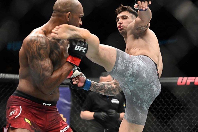 UFC on ESPN+ 11: Aleksandar Rakic levels Jimi Manuwa with head-kick KO