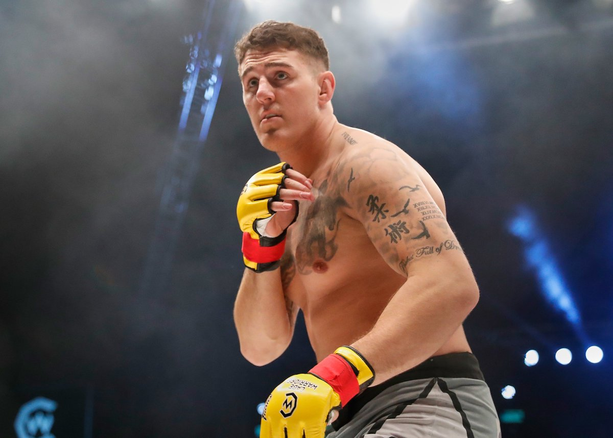 Cage Warriors heavyweight Tom Aspinall signs with the UFC