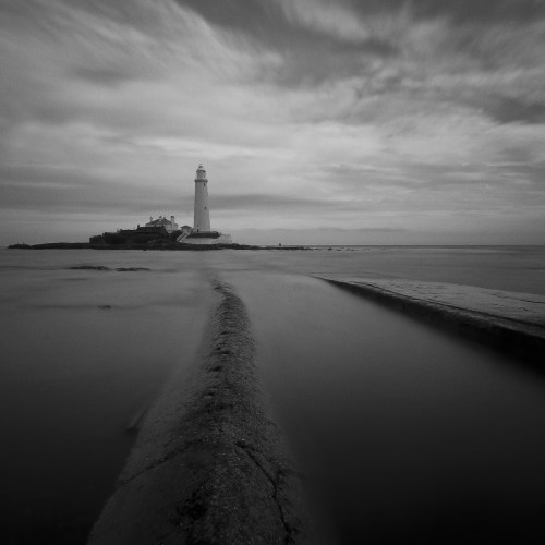 lighthouse-1065322_1920