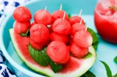 Koreczki z arbuza