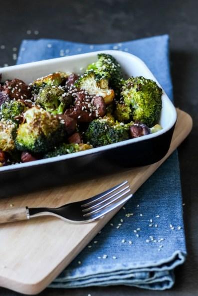 Kurczak z brokułami w sezamie – fit wersja