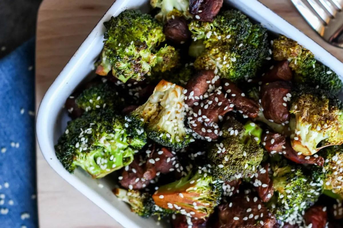 Kurczak z brokułami w sezamie - fit wersja