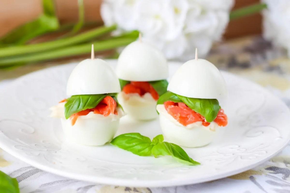 Koreczki z jajkiem i łososiem - nie tylko na Wielkanoc