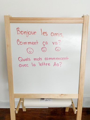 French morning message. Students must come up with words that start with the letter.