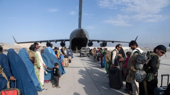 EEUU se retira de Afganistán tras 20 años de guerra