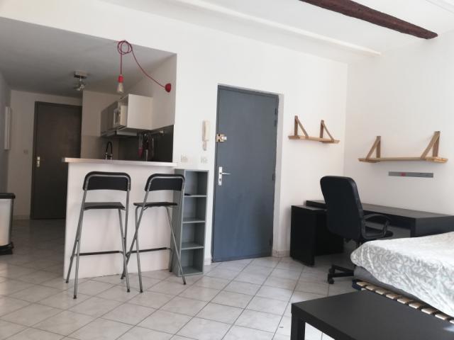 location studio meuble toulon 83 30
