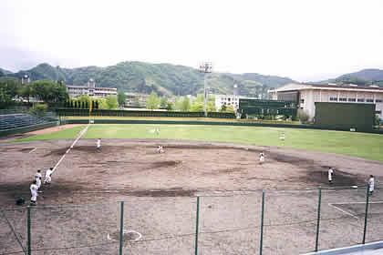 高校軟式野球選手権準決勝、崇徳対中京前代未聞の45回で決着つかず4日目に!