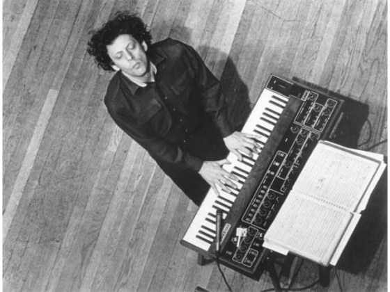 Philip_Glass_with_Prophet_5
