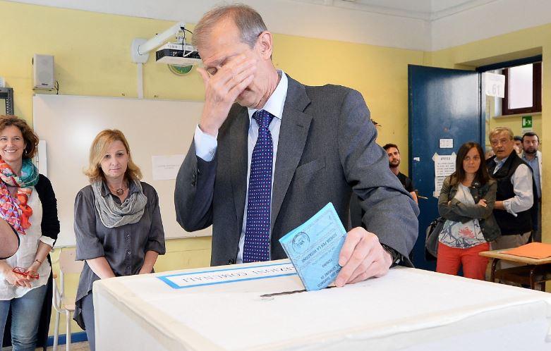 torino-fassino-vota-2
