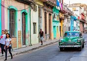 _E7A6437 Street in Havana with Green Chevy web ready