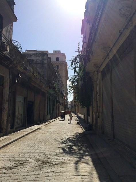 【キューバ】石畳の小道