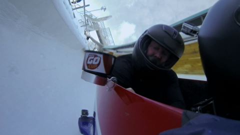 The latest #HowDoYouKFC film goes to another athletic extreme to show the portability and snackabili ...