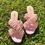 Sandália Rasteira Feminina Rosa com Detalhes de Elástico Sanfonado Calçados Femininos Coleção Verão Moda e Tendencia Loja Online MM Store Shoes (17)