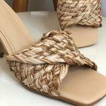 Taco Feminino Bege com Detalhes em Palha e Salto Triângulo Nova Coleção Primavera Verão Tendência da Moda Calçadista Loja Online MM Store shoes (32)