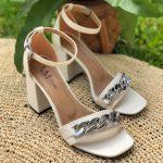 Sandália Feminina Off White de Salto Bloco e Detalhes de Correntes Calçados da Moda Nova Coleção Primavera Verão Loja Online Mm Store Shoes (35)
