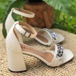 Sandália Feminina Off White de Salto Bloco e Detalhes de Correntes Calçados da Moda Nova Coleção Primavera Verão Loja Online Mm Store Shoes (36)