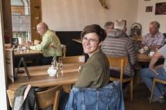 Marina im Café der Rösterei Heer