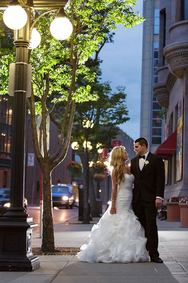Katie Amp Sam A Timeless Wedding In Downtown Saint Paul