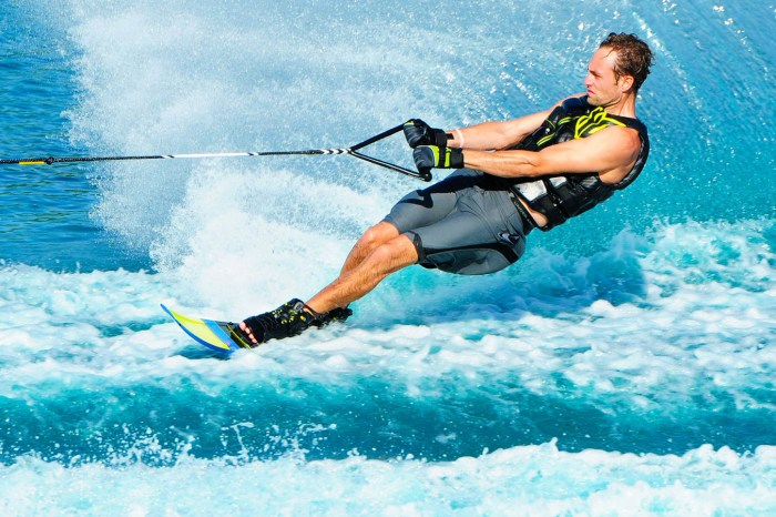 Water skiing: Between the sun and the sea