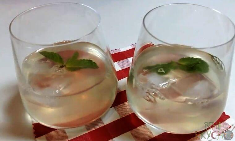 limonad-s-limonom-i-myatoj